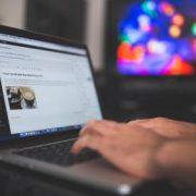 ब्लॉग (वेबसाइट) कैसे बनाये - ब्लॉग से पैसे कैसे कमाएँ
